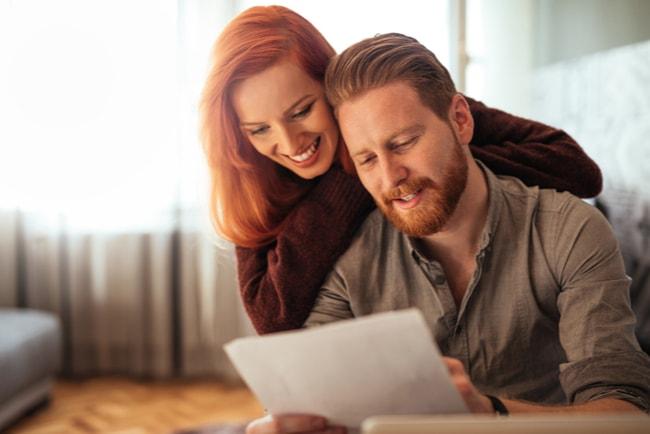 Ungt par förhandlar ner sin boränta