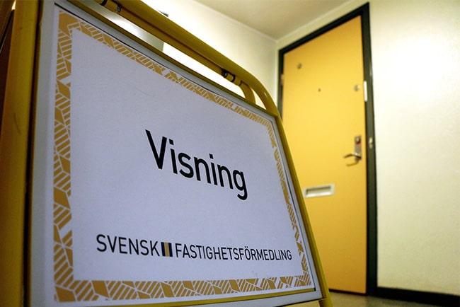 En bild på en visningsskylt från Svensk Fastighetsförmedling