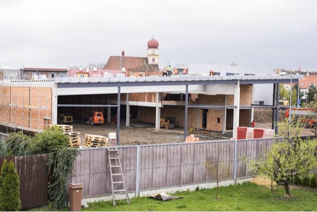 nytt hus byggs på granntomten