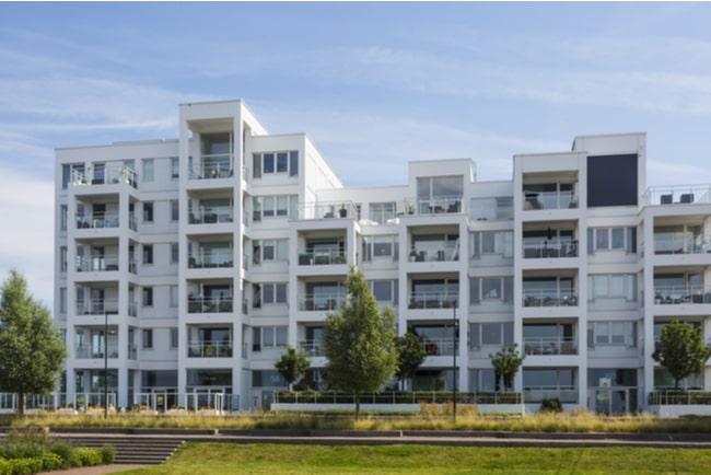lägenhetshus med bostadsrätter