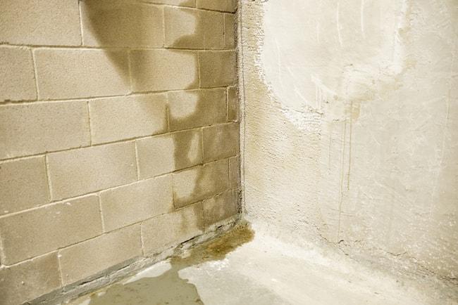regnvatten läcker in från källarväg